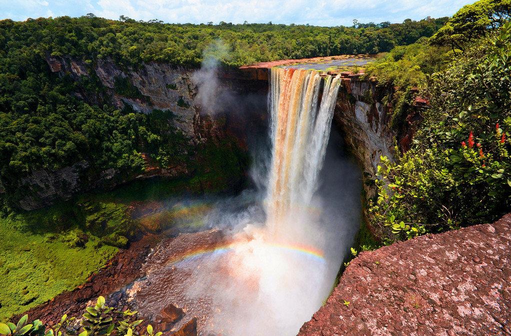 Водопад в Гайане