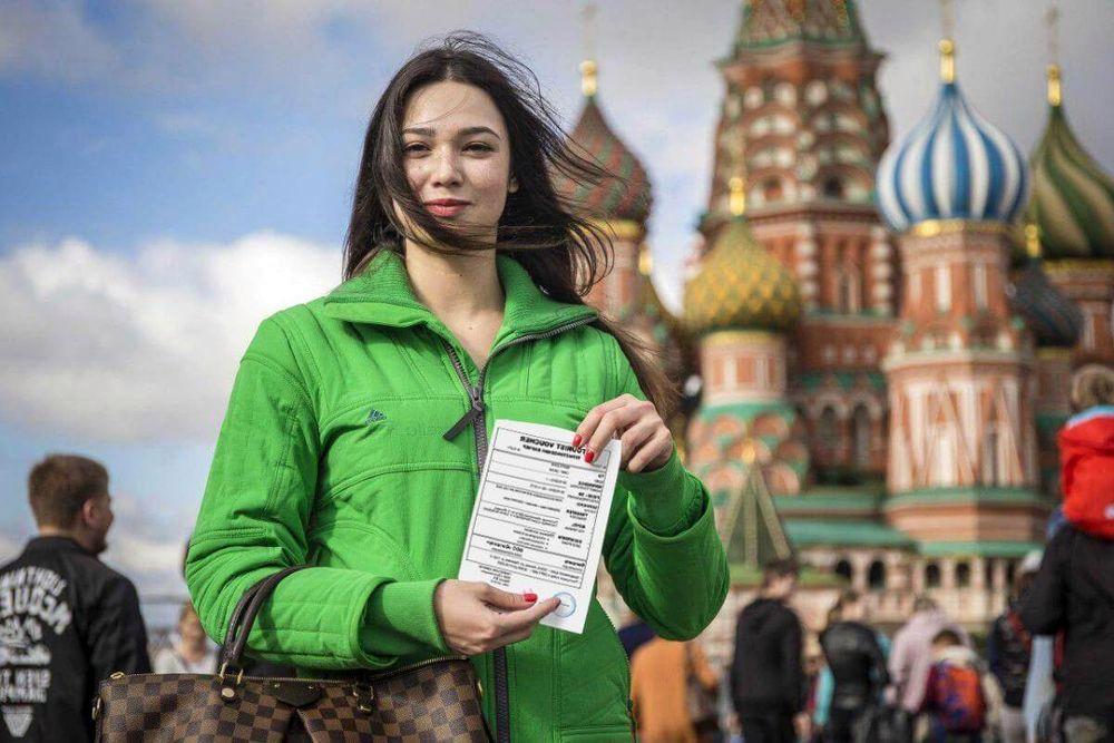 Чтобы посетить РФ, иностранцам требуется специальный документ