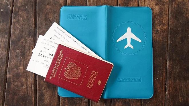 Загранпаспорт с авиабилетами