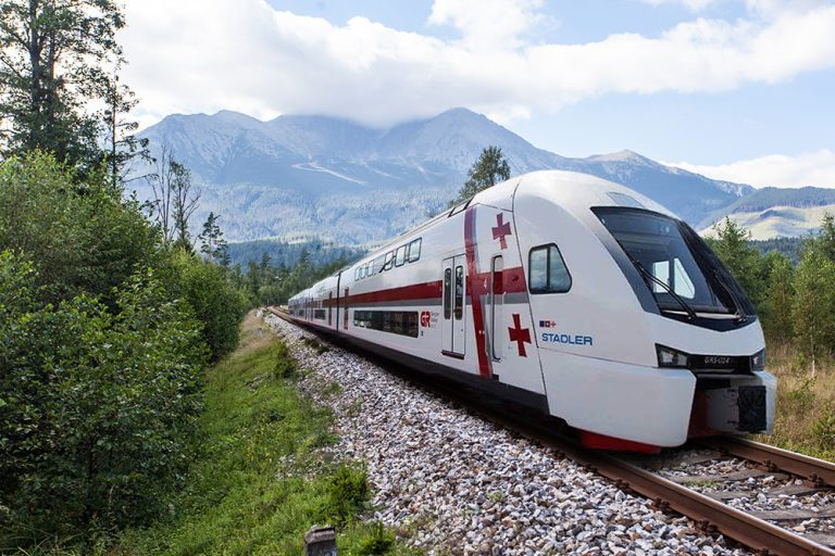 Поезд Stadler Тбилиси Батуми